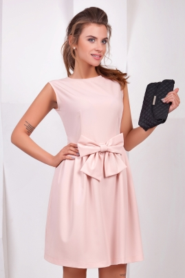 Розовое платье с бантом без рукавов