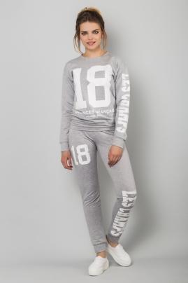 sport-costume-grey