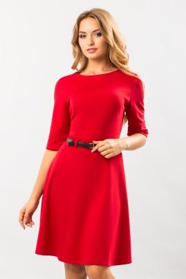 Платье джерси с поясом и шлевкой красное