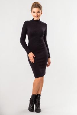 Черное платье с воротником под горло