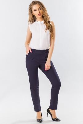 Темно-синие брюки со складками