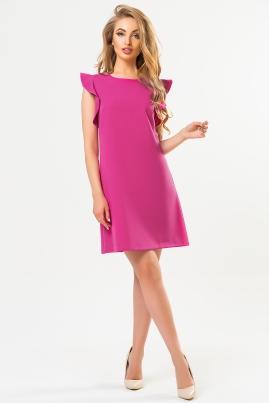 Малиновое платье с воланами на плечах
