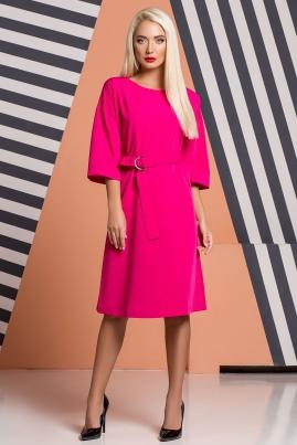 Малиновое платье-кимоно с пряжкой и поясом