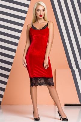 Красное велюровое платье с кружевом