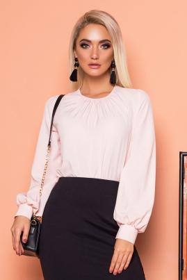 Розовая блузка со складками и широкими рукавами